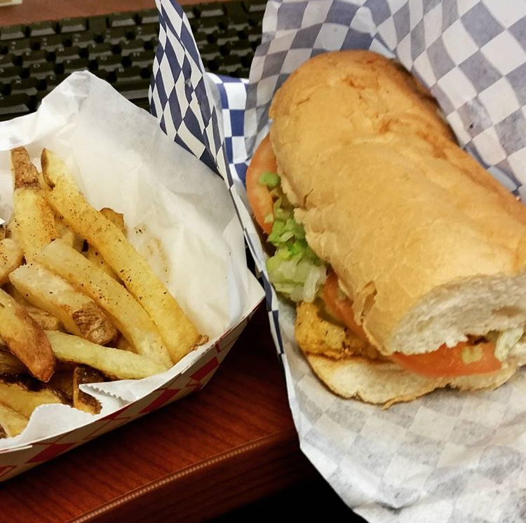 Louisiana Catfish Po'Boy